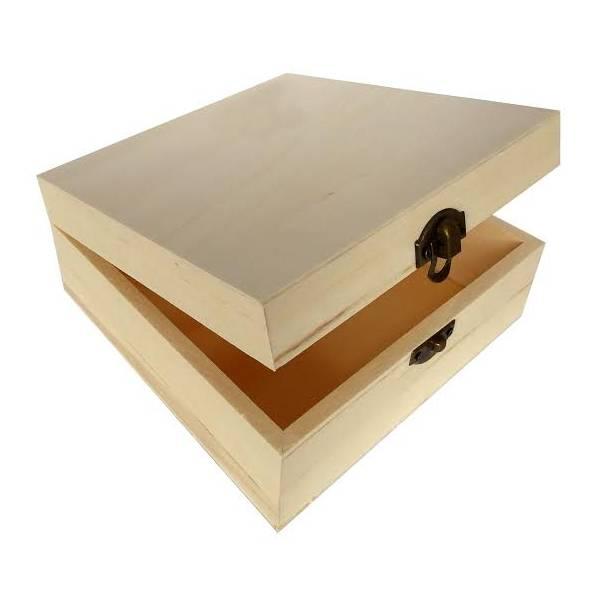 Drvena kutija 16 x 16 x 7cm
